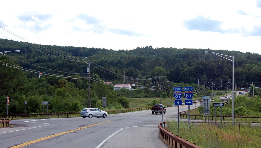 Exit 23 - Warrensburg, Diamond Point, Lake George : US 9, NY 28