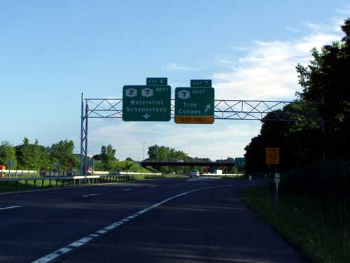 Exit 7 - NY 7 East, Alternate 7 to Troy, Green Island and Cohoes