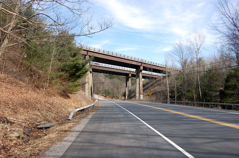 Northway Crosses Over US 9